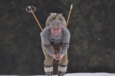 Ostatni szus i szlus! - /fot. Anna Kolasińska- zdjęcie nagrodzone w konkursie fotograficznym dokumentującym opisane w reportażu biegi w roku 2010/